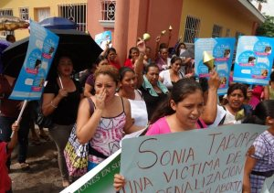 el-salvador-is-imprisoning-women-who-miscarry-article-body-image-1398551038